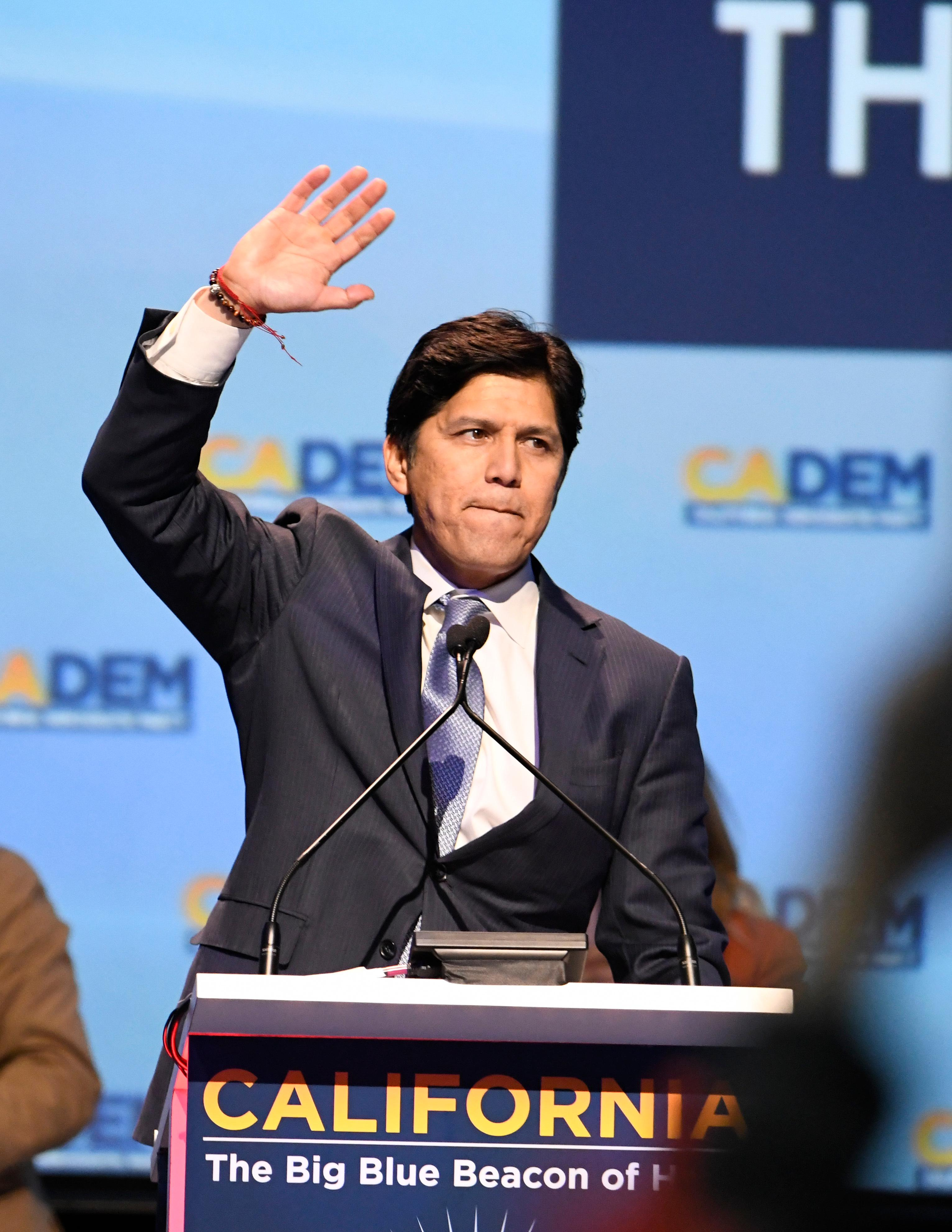 U.S. Senate candidate, Senate President Pro Tem Kevin de Leon, D- Los Angeles, speaks at the 2018 California Democrats State Convention Saturday, Feb. 24, 2018, in San Diego. (AP Photo/Denis Poroy)