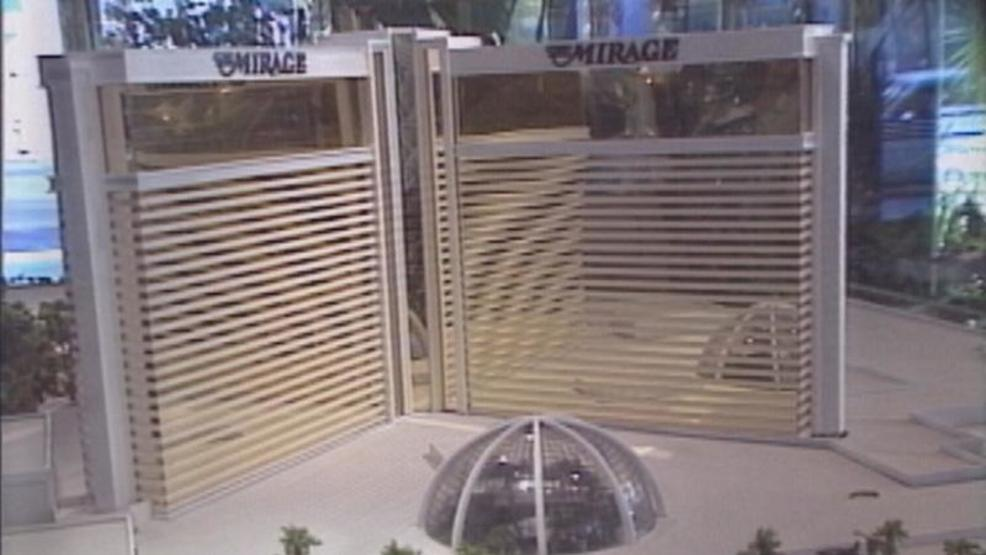 VIDEO VAULT   Las Vegas' first mega-resort arrives on the Strip
