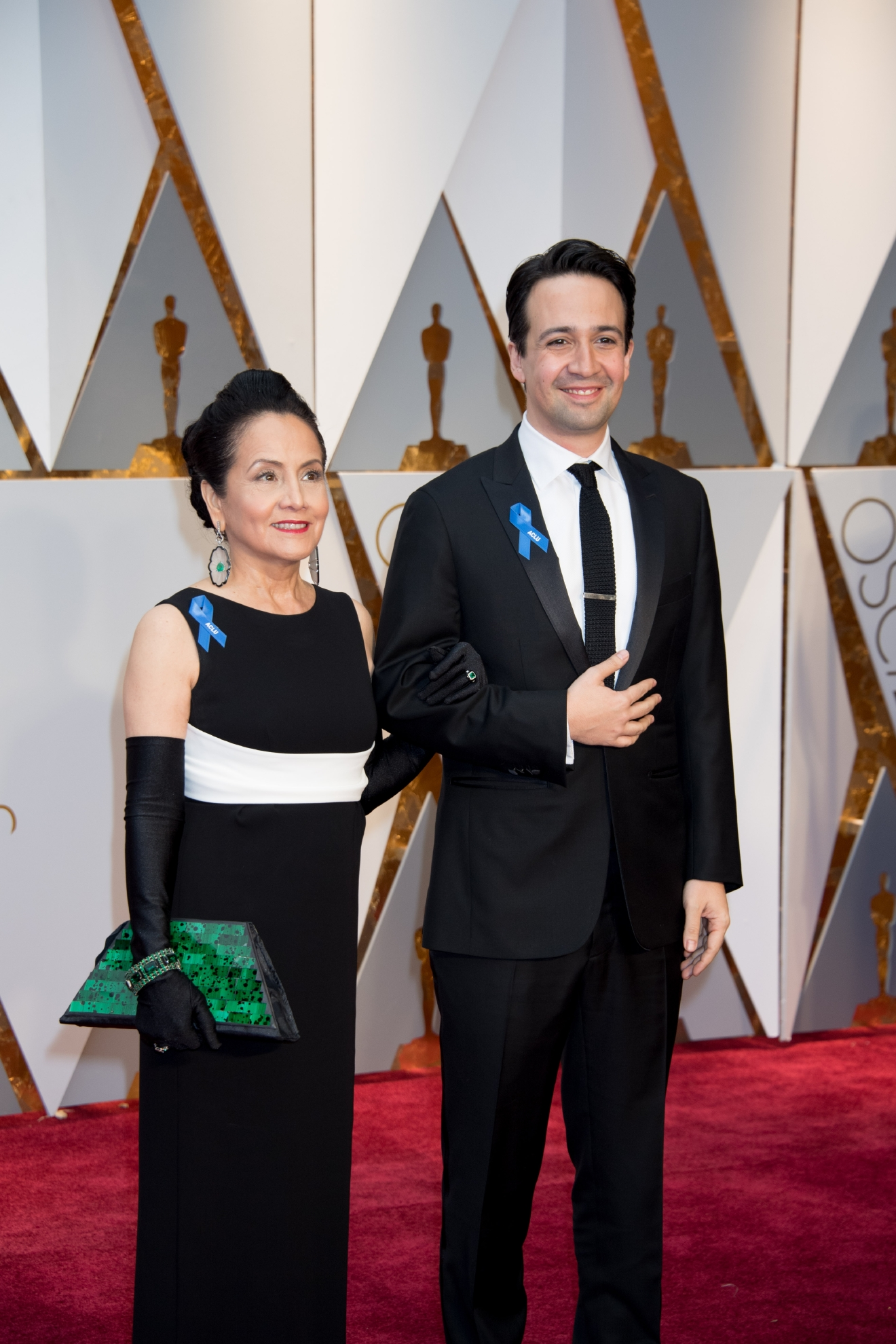 #22: Lin -Manuel Miranda gets this position JUST for bringing his Mom. Plus, he looks pretty darn dapper. (Image: AMPAS)