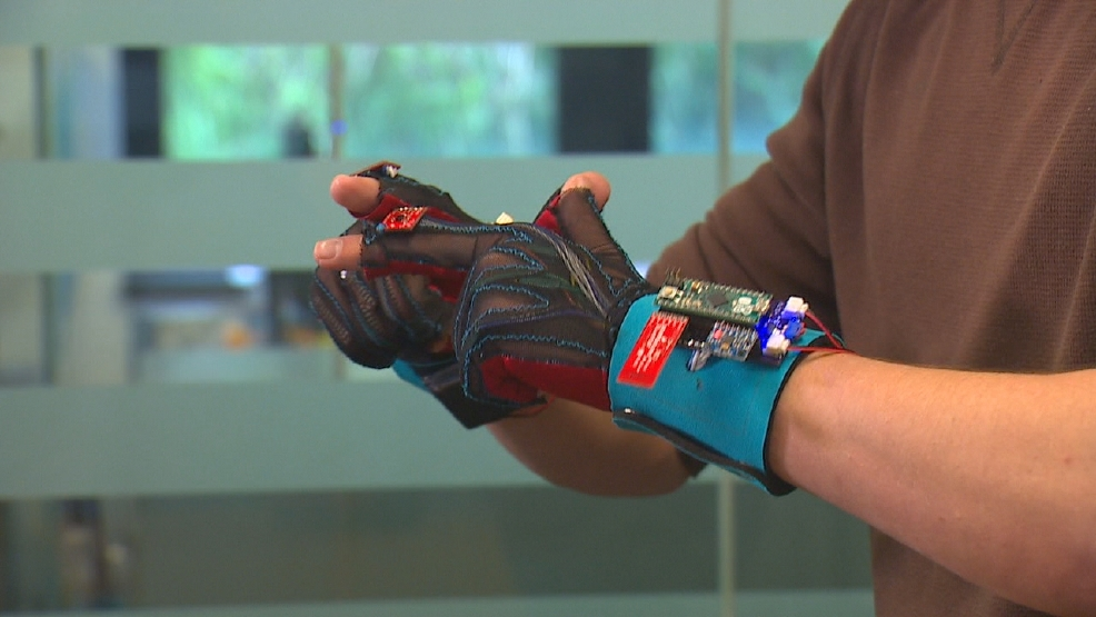 uw students u0026 39  invention could revolutionize sign language
