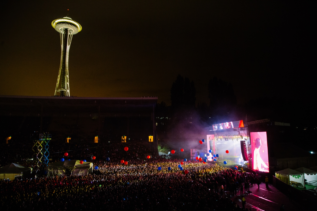 There are so many events, concerts, parties, festivals and everything in between going on in Seattle and we do our best to be at everything. From that awesome new restaurant to the Seahawks game or the hottest fashion show we took a lot of photos this year so here are the 100 best photos from 2016. (image: Joshua Lewis / Seattle Refined)