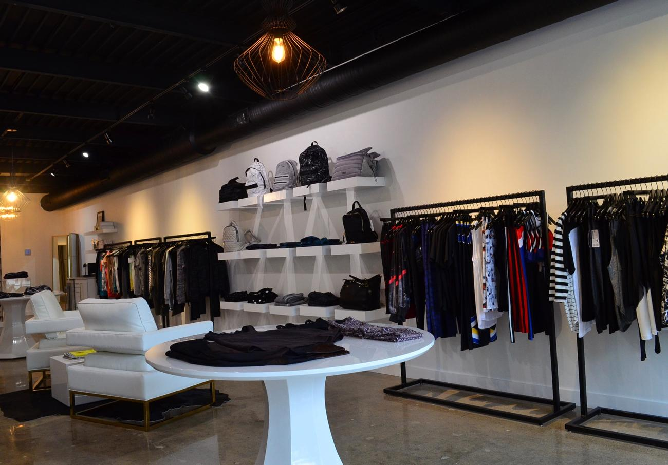 Outfit Active is a lifestyle clothing store located off of Hyde Park Square. ADDRESS: 3439 Edwards Road (45208) / Image: Leah Zipperstein, Cincinnati Refined // Published: 11.7.17