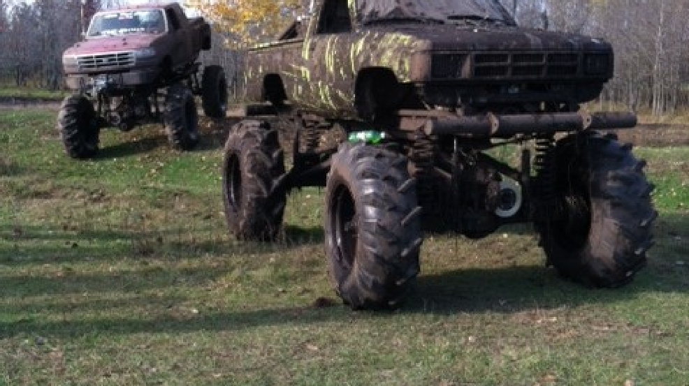 A couple gets married with a redneck wedding complete with monster mud trucks.