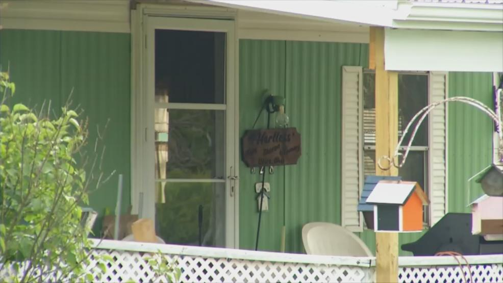 Investigators from the Licking County Sheriff's Office and the Ohio Bureau of Criminal Investigation searched for evidence inside the parents' home of suspected Kirkersville killer Thomas Hartlett, who officials said lived there off and on. (WSYX/WTTE)