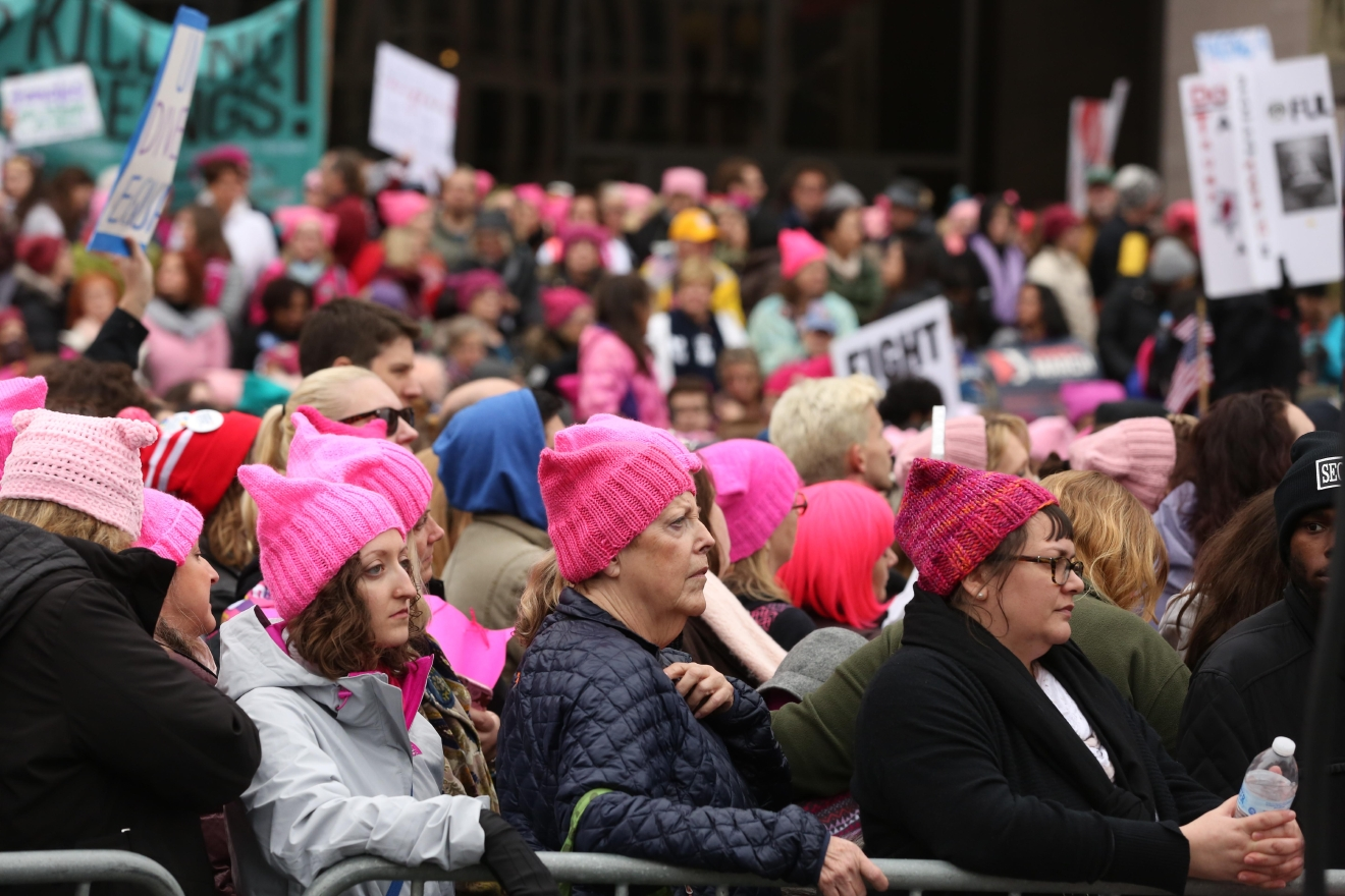 The Women's March drew hundreds of thousands of people. (Amanda Andrade-Rhoades/DC Refined)