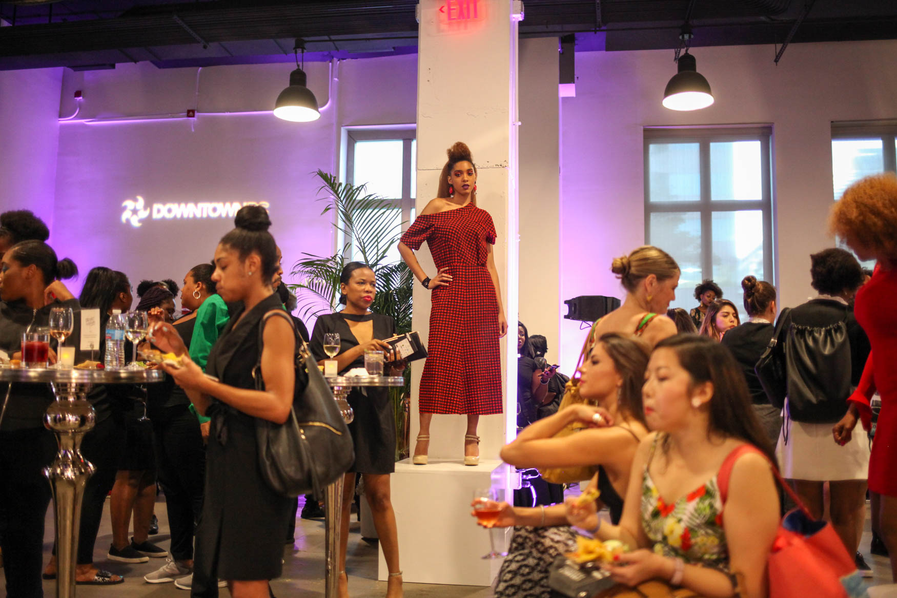 Nearly a dozen designers debuted their collections at the District of Fashion runway show on September 5. The invite-only show was hosted by the DowntownDC Business Improvement District, as a way to bring consumers and creators to the heart of D.C. The looks ranged from swimwear to high fashion and guests had the chance to mingle, flaunt their best looks and enjoy snacks and cocktails. (Amanda Andrade-Rhoades/DC Refined)