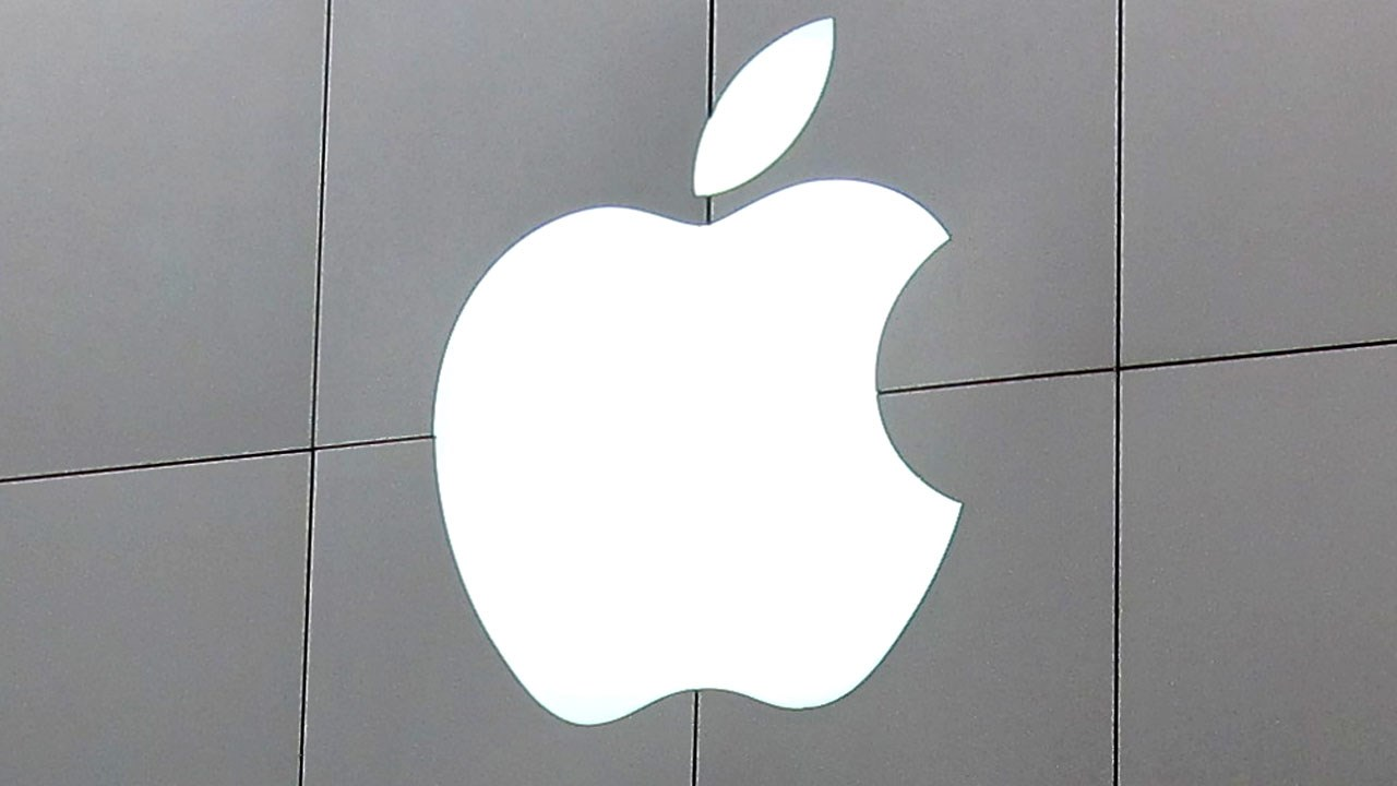 PHOTO: Apple store sign, Photo Date: 2012 via MGN Online