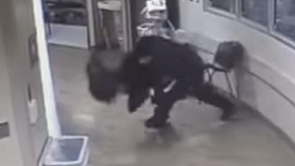 Escort Colorado Springs >> VIDEO: Colorado Springs police officer slams woman's face ...