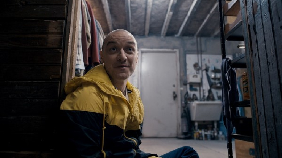 'Split' sits atop a quiet box office