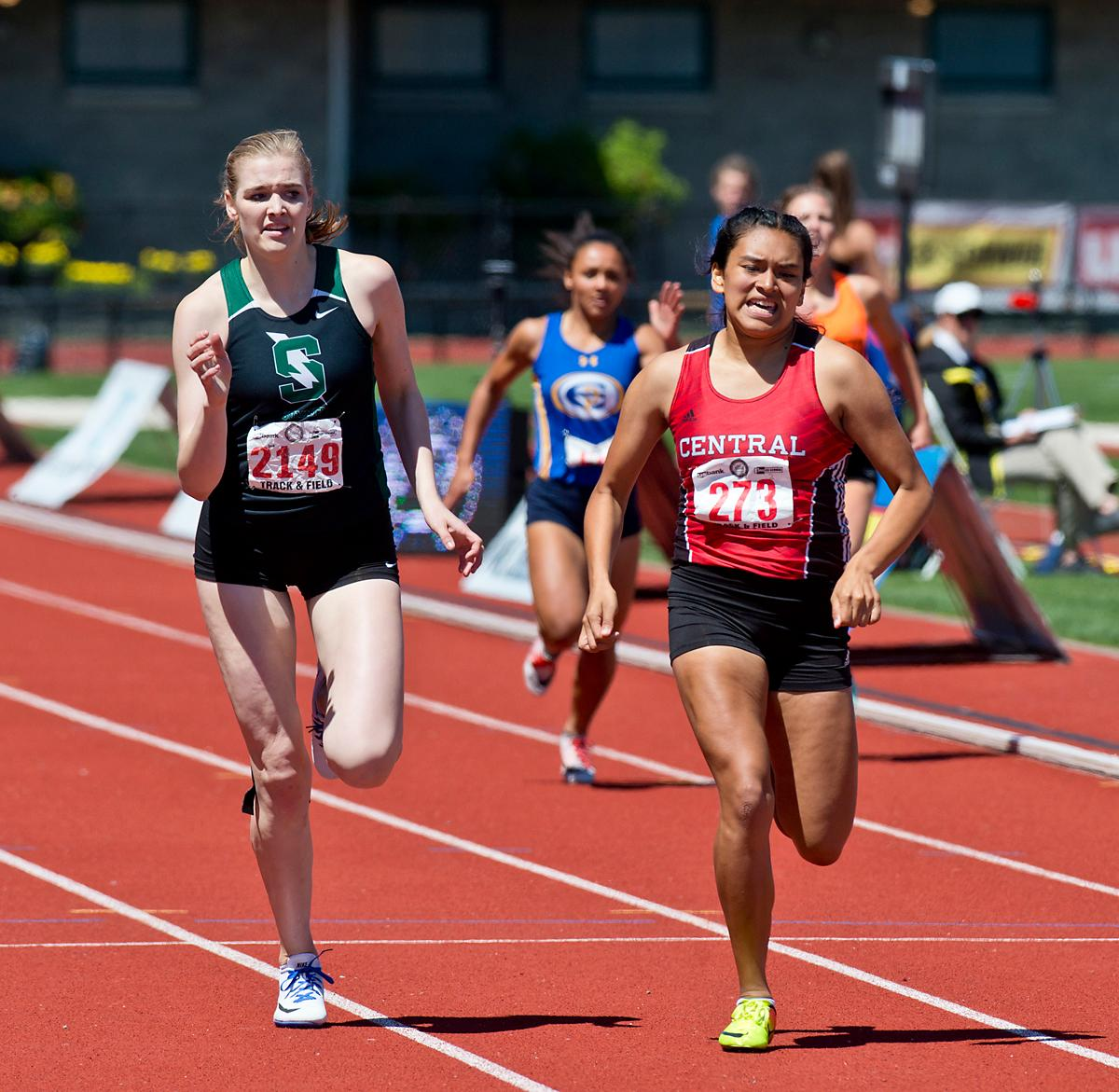 Bethanie Altamirano from Central wins the 5A Girls 400 meter dash with a time of 57.67 at the OSAA Track Championship at Hayward Field on Saturday. Photo by Dan Morrison, Oregon News Lab