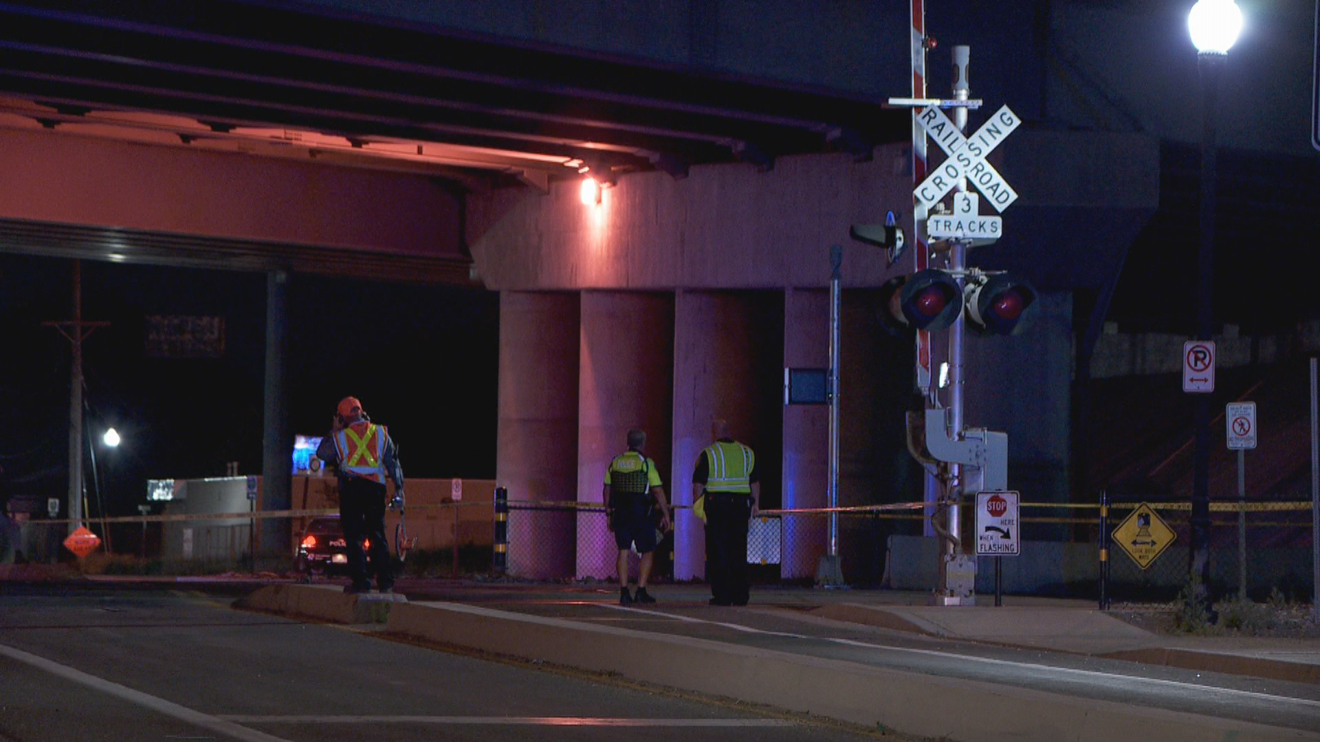A man was killed Thursday night after being hit by a UTA FrontRunner when he rode his bike through the crossing arms. (Photo: Morgan Saxton /KUTV)