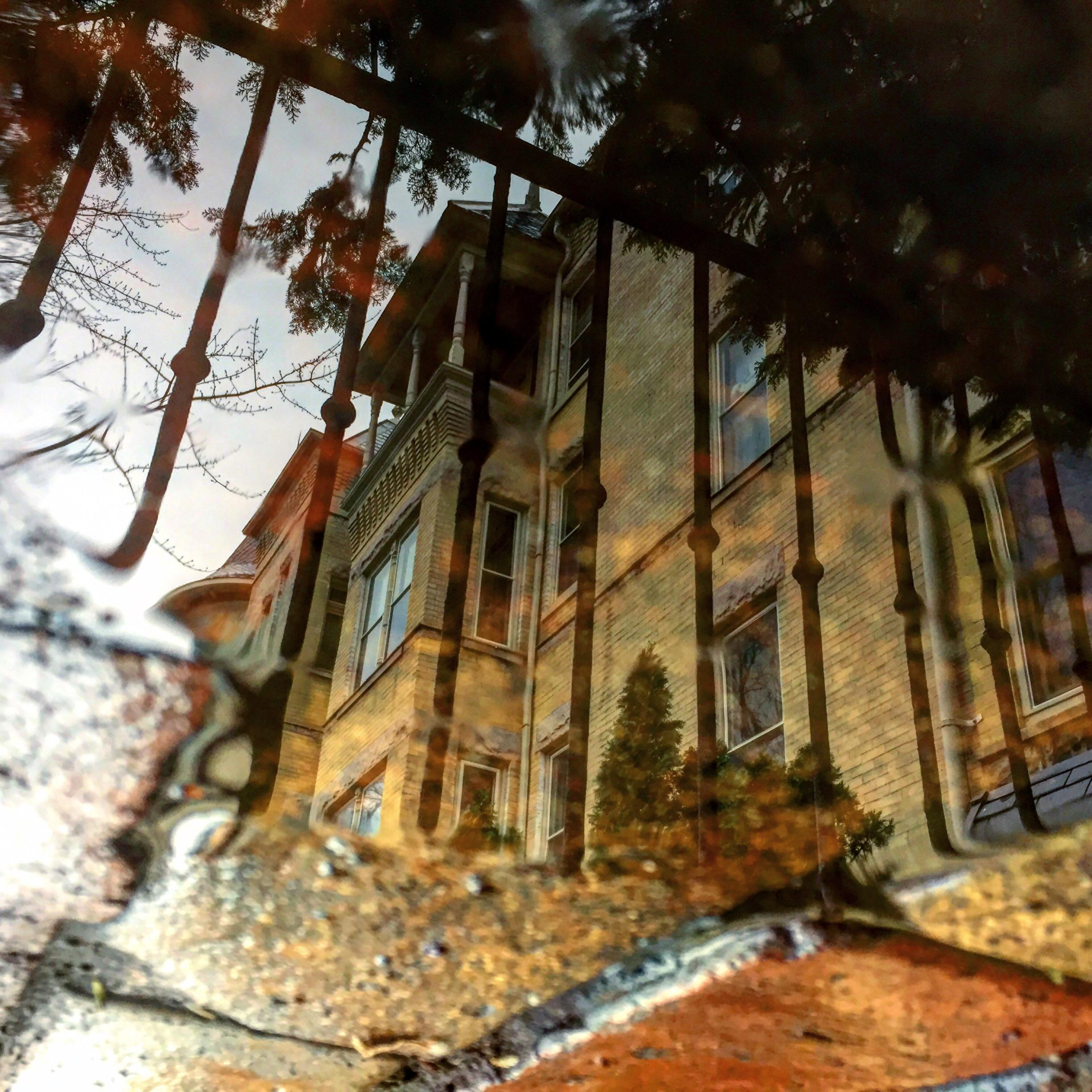 Post:{&amp;nbsp;}#puddle #reflection #capitolhilldc #thehillishome #washingtondc #igdc #acreativedc #bythingsdc #exposeddc #fotodc #madeindc #202creates #dctography #dcfocused #popville #dcisreal #notaswamp #puddlegram (Image: via IG user @monikerdc /{&amp;nbsp;}instagram.com/monikerdc/){&amp;nbsp;}<p></p>