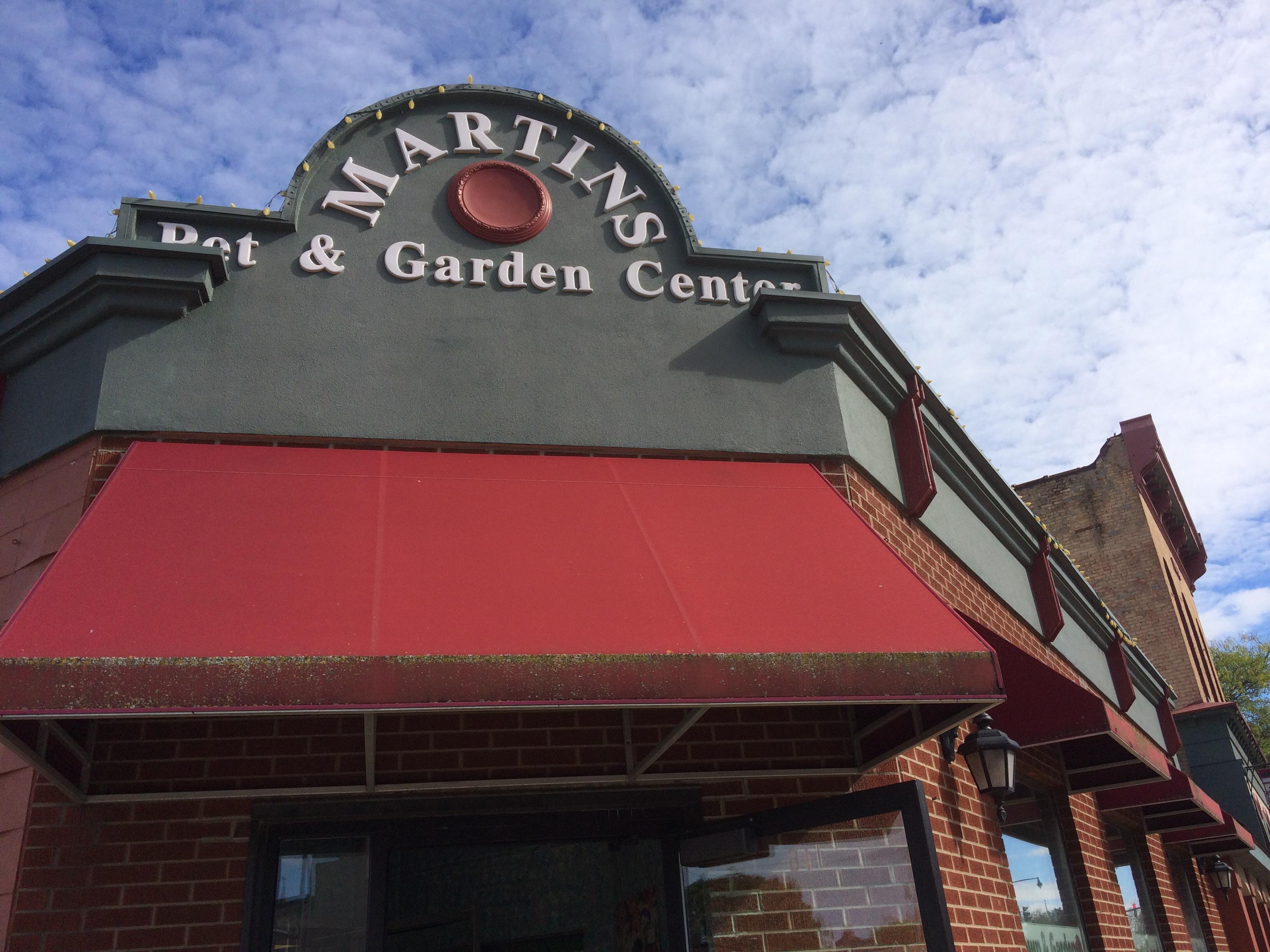 Martinu0027s Pet And Garden Center// WSBT 22